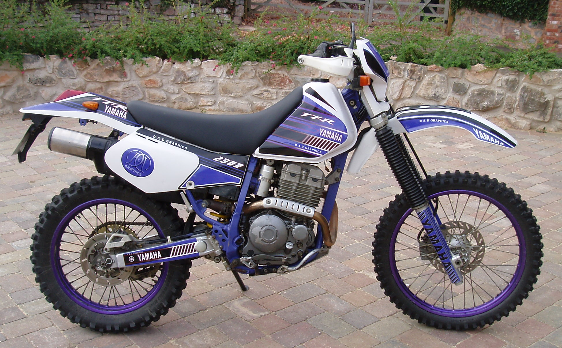 TTR_with_black_seat yamaha ttr250 trail and offroad motorcycle faq  at edmiracle.co